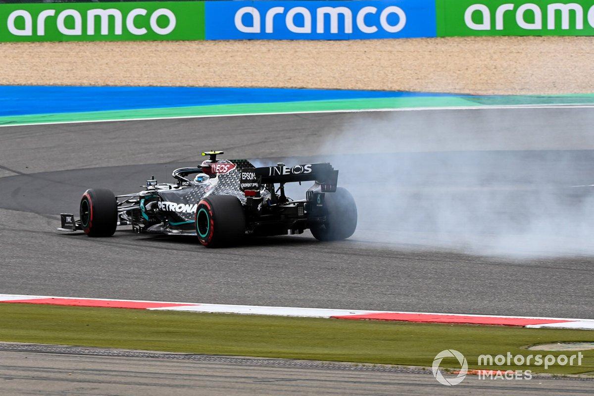 Valtteri Bottas, Mercedes F1 W11 con humo