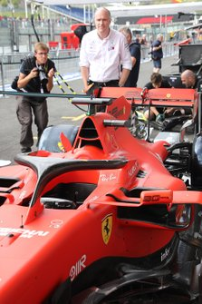 Ferrari SF90 in pitlane