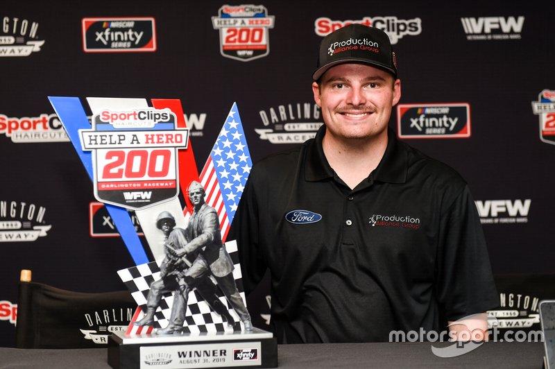 Race Winner Cole Custer, Stewart-Haas Racing, Ford Mustang