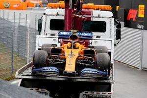 Эвакуатор с автомобилем McLaren MCL34 Ландо Норриса
