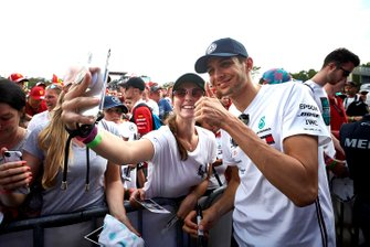 Esteban Ocon, Mercedes AMG F1 takes a selfie with a fan