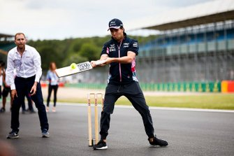 Sergio Perez, Racing Point plays cricket