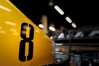 Wagen van Romain Grosjean, Haas F1 Team VF-19 in de garage
