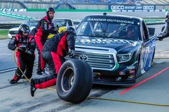 Tyler Ankrum, DGR-Crosley, Toyota Tundra Academy Sports + Outdoors / RAILBLAZA pit stop