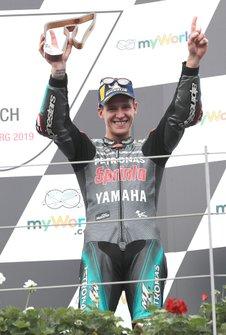 Подиум: обладатель третьего места Фабио Куартараро, Petronas Yamaha SRT