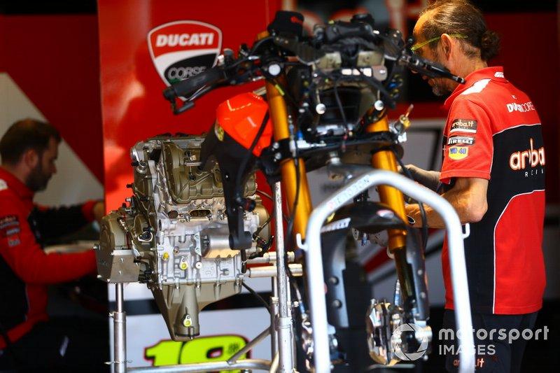 Motor: Ducati Panigale V4 R