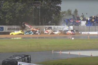 Авария в гонке Кубка Citroën DS3 в Дании