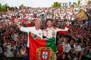 Tiago Monteiro, KCMG Honda Civic Type R TCR and Mayor of the city, Eng. Rui Santos