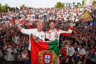 Tiago Monteiro, KCMG Honda Civic Type R TCR, mit Rui Santos, Bürgermeister von Vila Real