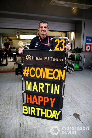 Un message d'anniversaire pour Martin de la part de Günther Steiner, Team Principal, Haas F1 Team