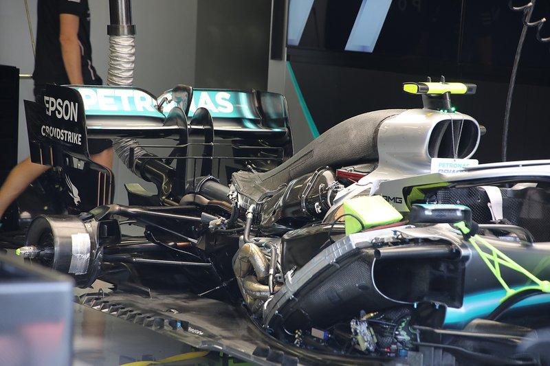 Mercedes W10: Antriebsstrang