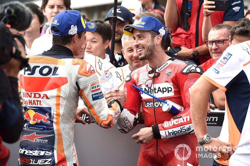 Andrea Dovizioso félicite Marc Márquez