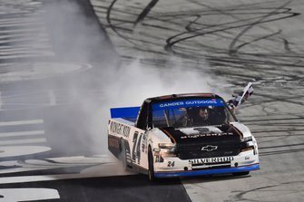 Ganador Brett Moffitt, GMS Racing, Chevrolet Silverado Midnight Moon Moonshine
