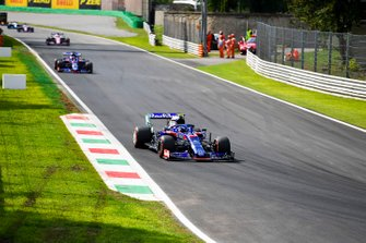 Pierre Gasly, Toro Rosso STR14, Daniil Kvyat, Toro Rosso STR14