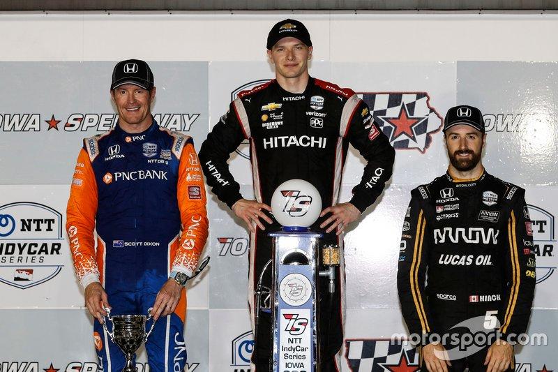 Scott Dixon, Chip Ganassi Racing Honda, Josef Newgarden, Team Penske Chevrolet, James Hinchcliffe, Arrow Schmidt Peterson Motorsports Honda