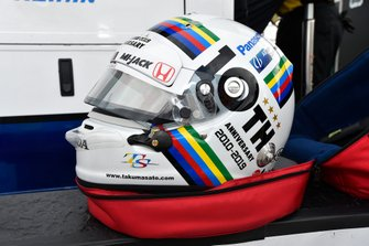 Takuma Sato, Rahal Letterman Lanigan Racing Honda, helmet