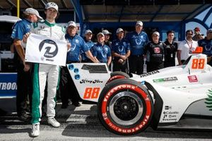 NTT P1 Award winner Colton Herta, Harding Steinbrenner Racing Honda celebrates his pole win