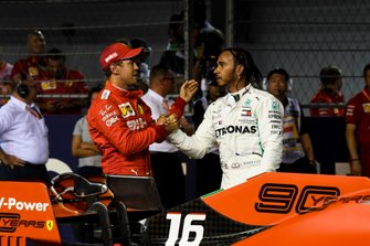 Sebastian Vettel, Ferrari, en Lewis Hamilton, Mercedes AMG F1