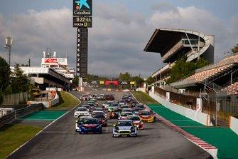 Partenza di Gara 1 al TCR Europe: Catalunya
