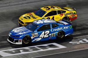 Kyle Larson, Chip Ganassi Racing, Chevrolet Camaro Credit One Bank and Michael McDowell, Front Row Motorsports, Ford Mustang Love's Travel Stops