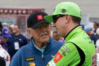 Kyle Busch, Joe Gibbs Racing, Toyota Camry Interstate Batteries, Coach Joe Gibbs