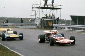 Gijs van Lennep, Surtees TS7 Ford, Graham Hill, Brabham BT34 Ford