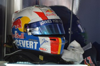 The Francois Cevert, tribute helmet livery worn by Jean-Eric Vergne, Scuderia Toro Rosso