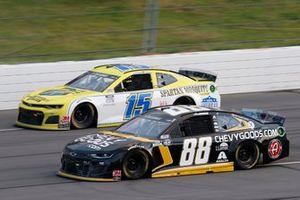 Alex Bowman, Hendrick Motorsports, Chevrolet Camaro Brennan Poole, Premium Motorsports, Chevrolet Camaro