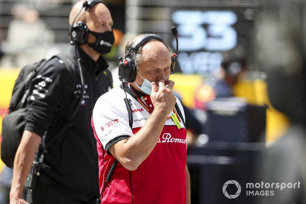 Frederic Vasseur, Team Principal, Alfa Romeo Racing on the grid