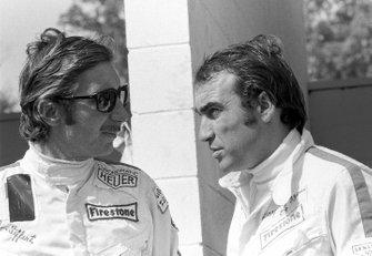Los dos pilotos suizos de F1, Jo Siffert, March y Clay Regazzoni, Ferrari