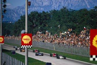 Pedro Rodriguez, BRM P153 devant Clay Regazzoni, Ferrari 312B et Jackie Stewart, March 701 Ford