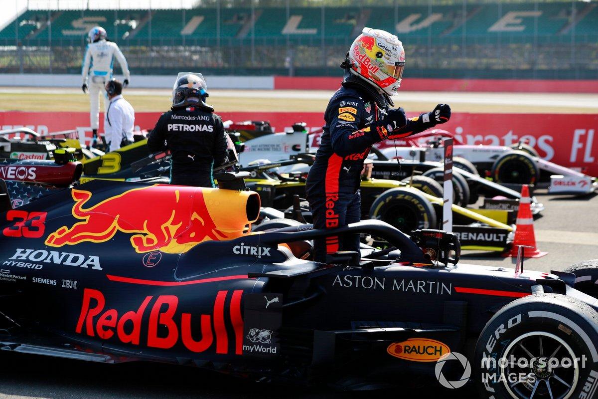 Ganador Max Verstappen, Red Bull Racing RB16, en Parc Ferme