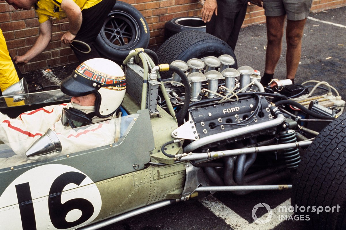 Jackie Stewart, Matra MS9 Ford, in the pit lane