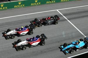 Igor Fraga, Charouz Racing System, leads Niko Kari, Charouz Racing System, Enzo Fittipaldi, HWA Racelab, and Federico Malvestiti, Jenzer Motorsport, at the start