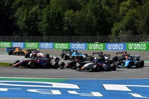 Oliver Caldwell, Trident, leads Enzo Fittipaldi, HWA Racelab, Igor Fraga, Charouz Racing System, Federico Malvestiti, Jenzer Motorsport, and the remainder of the field at the start