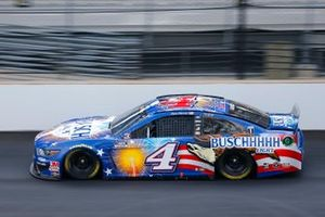 Kevin Harvick, Stewart-Haas Racing, Ford Mustang Busch Light Patriotic