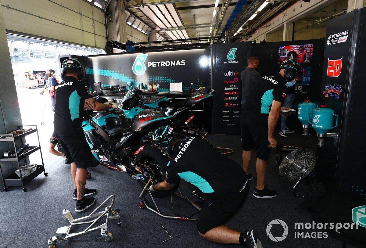 Fabio Quartararo, Petronas Yamaha SRT's garage