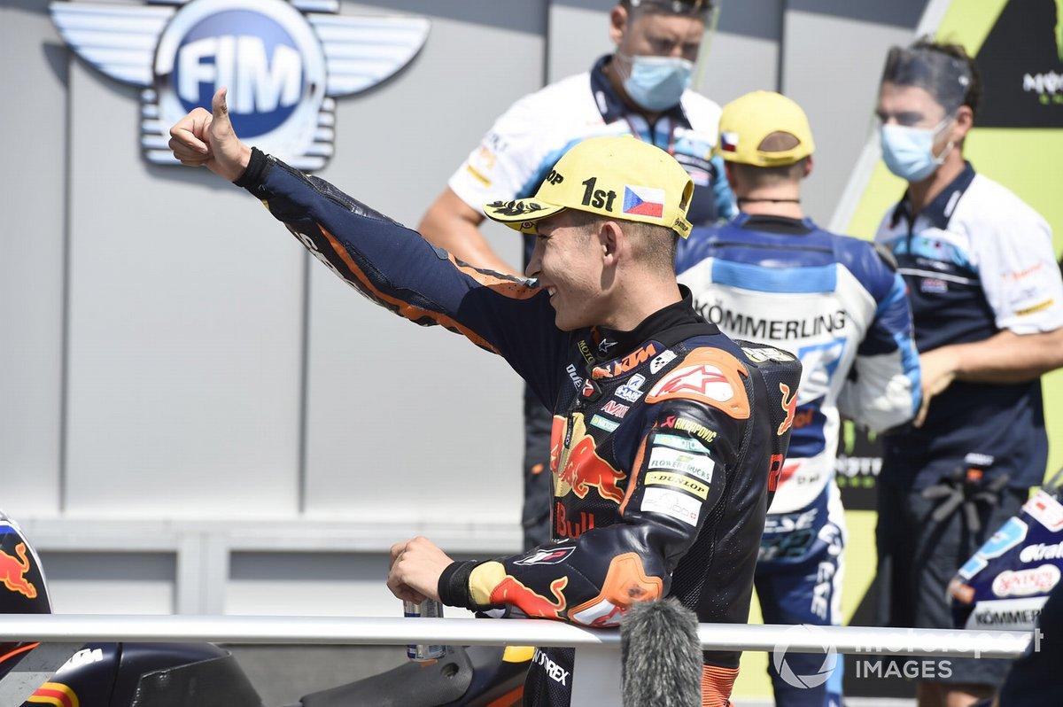 Ganador de la pole Raúl Fernández, Red Bull KTM Ajo