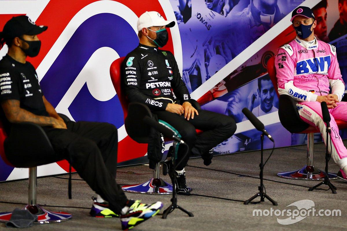 Ganador de la pole Valtteri Bottas, Mercedes AMG F1, Nico Hulkenberg, Racing Point, Lewis Hamilton, Mercedes AMG F1