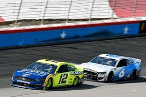 Ryan Blaney, Team Penske, Ford Mustang Menards/Maytag y Ryan Newman, Roush Fenway Racing, Ford Mustang Wyndham Rewards