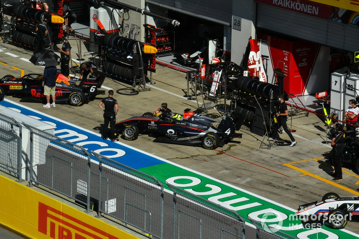 Dennis Hauger, Hitech Grand Prix e Max Fewtrell, Hitech Grand Prix