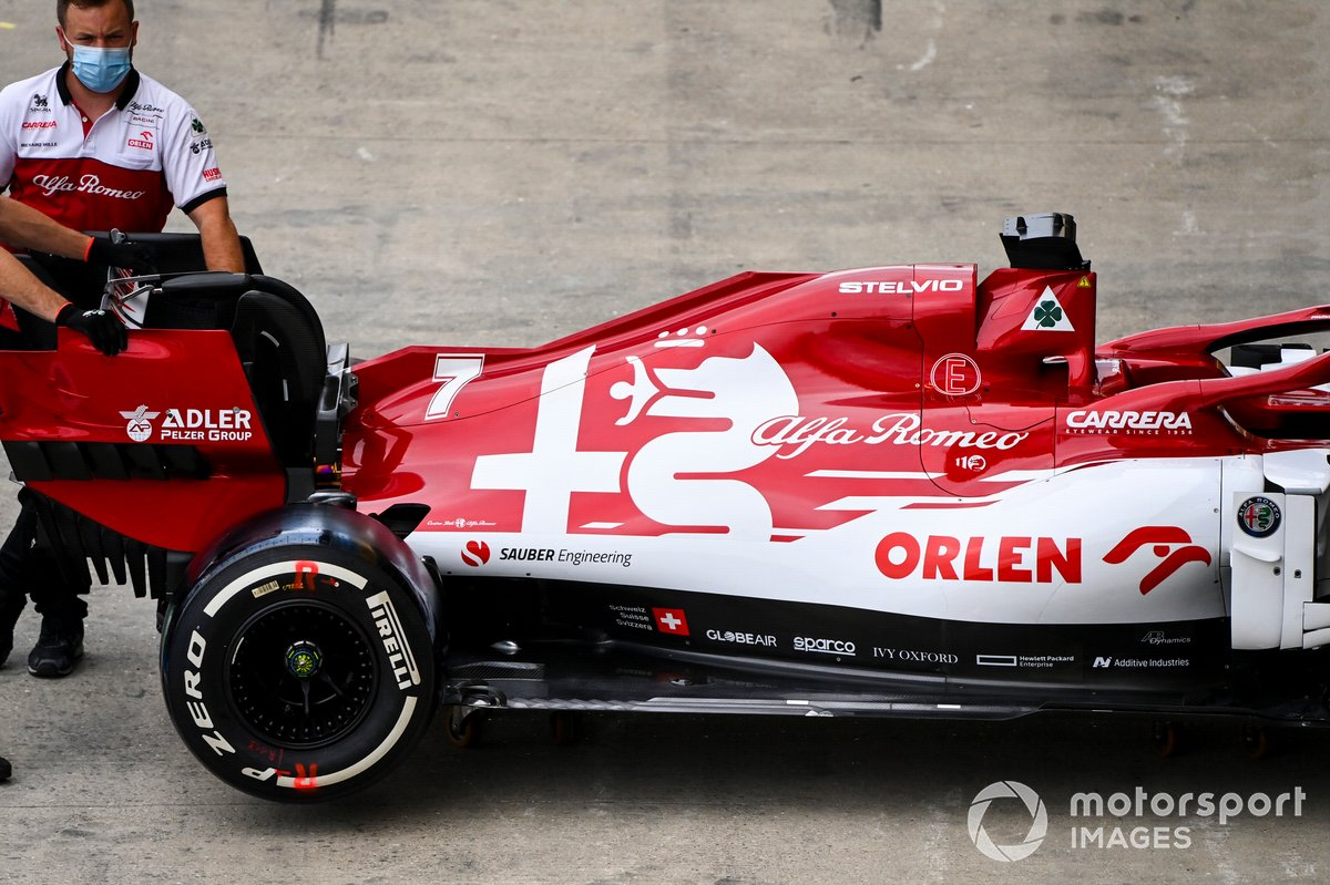 Cubierta del motor de Kimi Raikkonen, Alfa Romeo Racing C39