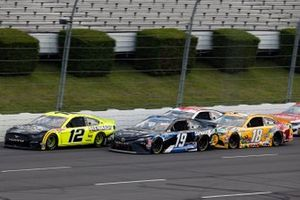 Ryan Blaney, Team Penske, Ford Mustang, Martin Truex Jr., Joe Gibbs Racing, Toyota Camry