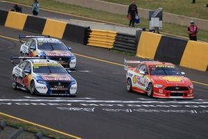 Jamie Whincup, Triple Eight Race Engineering Holden, Scott McLaughlin, DJR Team Penske Ford on the starting grid