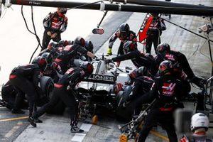 Romain Grosjean, Haas VF-20, ai box