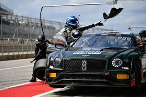 #8 GT3 Pro-Am, K-PAX Racing, Patrick Byrne, Guy Cosmo, Bentley Continental GT