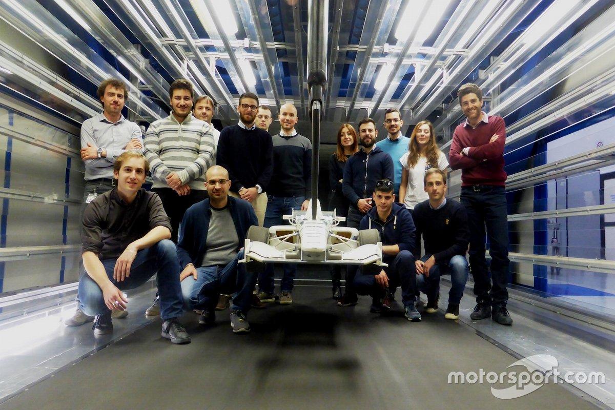 I partecipanti del Master di aerodinamica di Experis Academy dello scorso anno nella galleria del vento Dallara