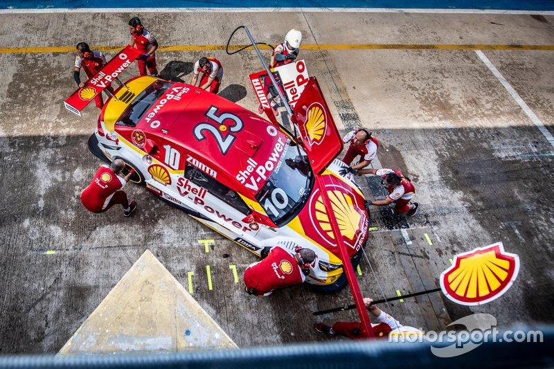 Carro de Ricardo Zonta com numeral #25 de Tuka Rocha