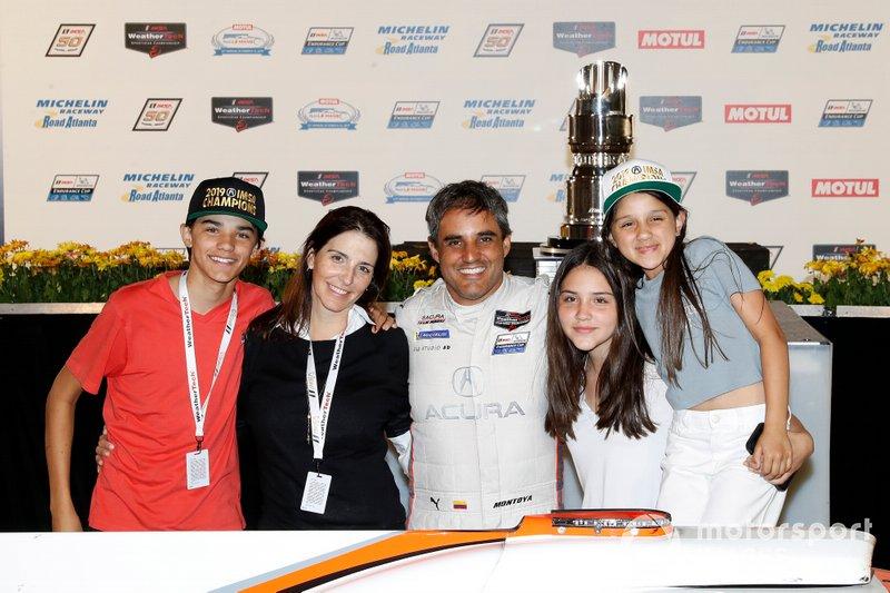 #6 Acura Team Penske Acura DPi, DPi: Juan Pablo Montoya y familia