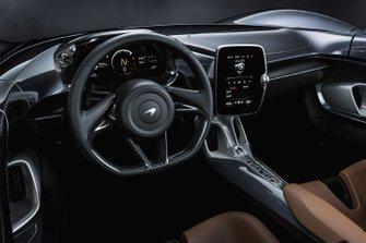 McLaren Elva, interno
